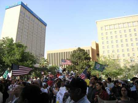 rally_downtown.jpg (41113 bytes)